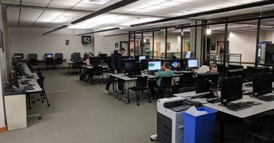 Image of open computer lab at UVU